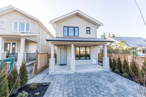 Townhouse for sale at 343 13th St E North Vancouver British Columbia - MLS: R2437942