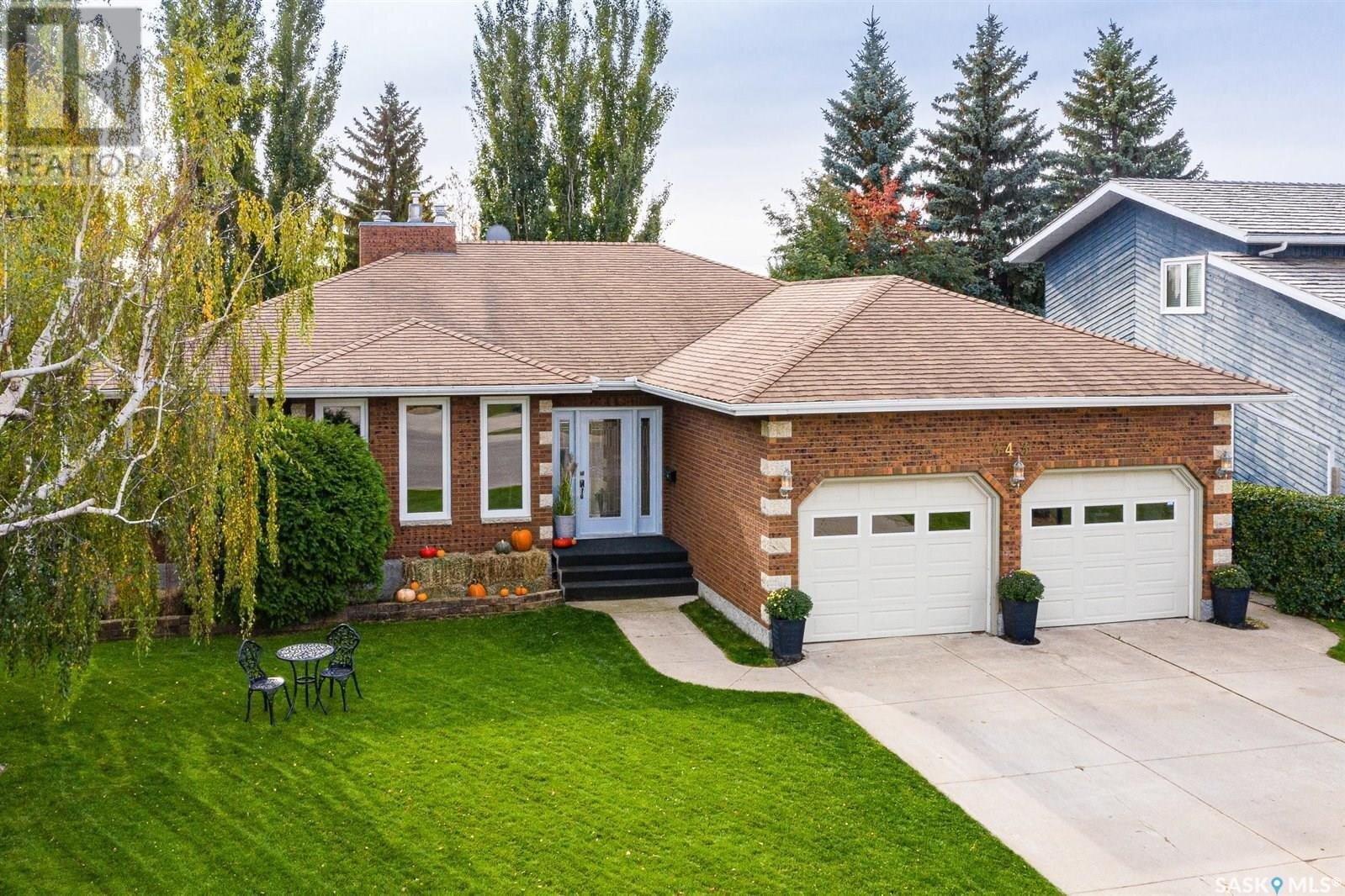 House for sale at 343 Neusch Wy Saskatoon Saskatchewan - MLS: SK832054