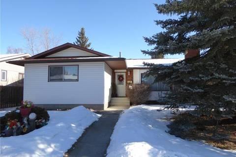 House for sale at 343 Woodside Circ Southwest Calgary Alberta - MLS: C4285907