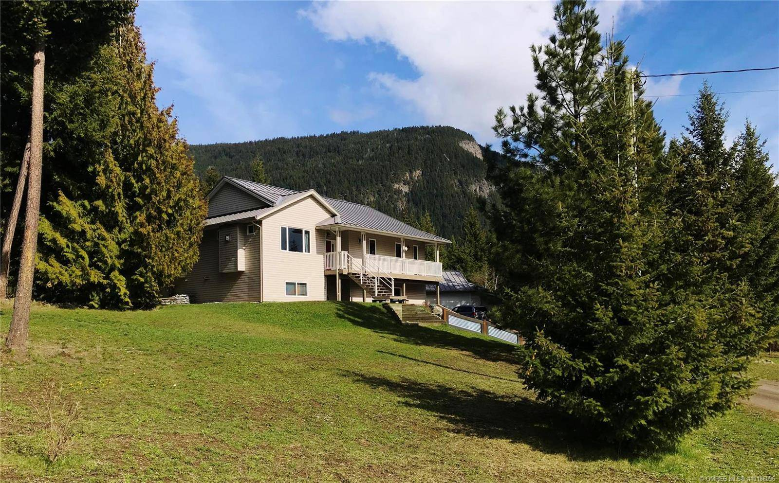 Home for sale at 3430 Roberge Rd Tappen British Columbia - MLS: 10186096