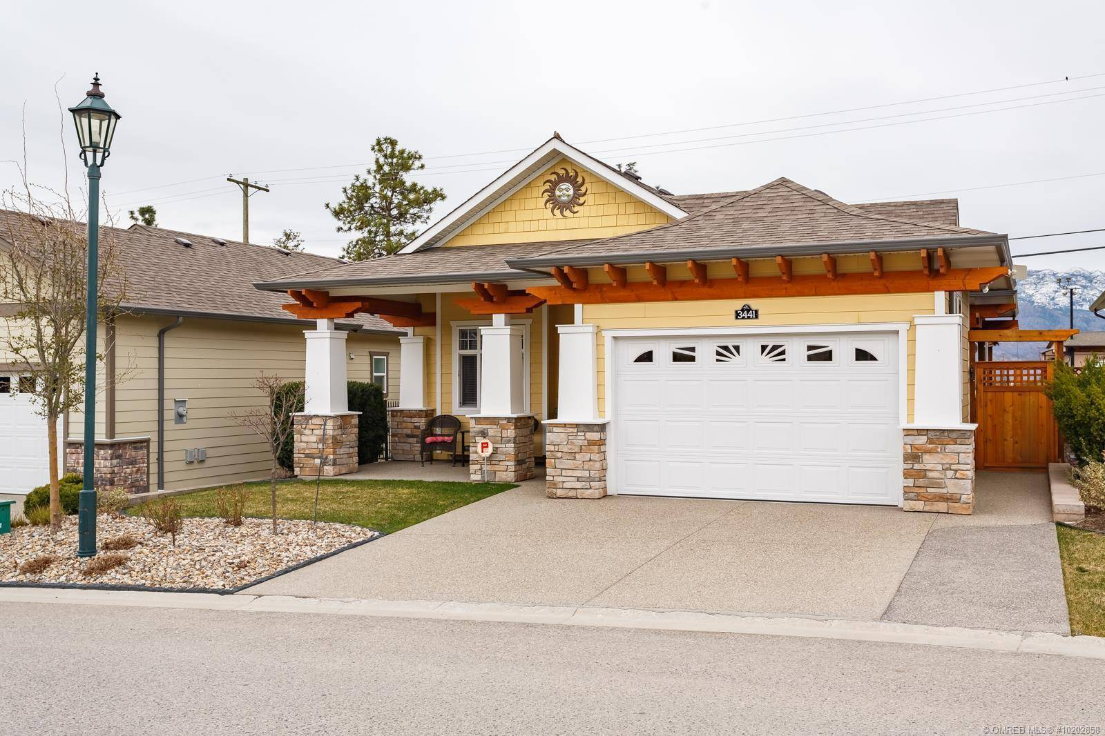 House for sale at 3441 Kingfisher Rd West Kelowna British Columbia - MLS: 10202858