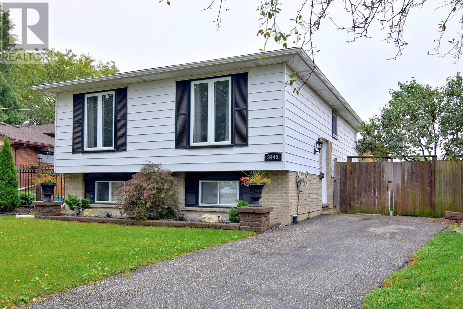 House for sale at 3445 Deerbrook Dr Windsor Ontario - MLS: 19026443