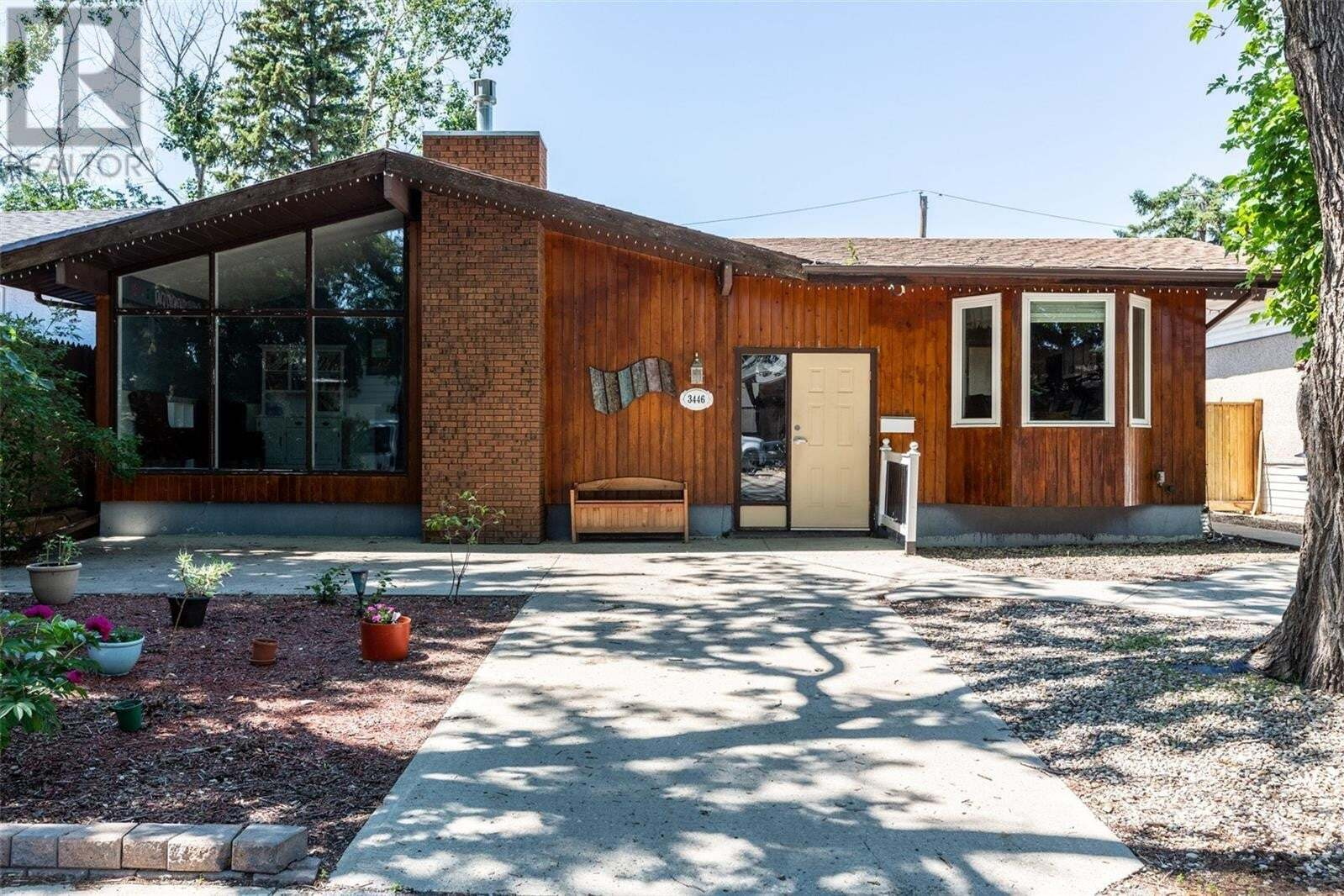 House for sale at 3446 Wascana St Regina Saskatchewan - MLS: SK816877