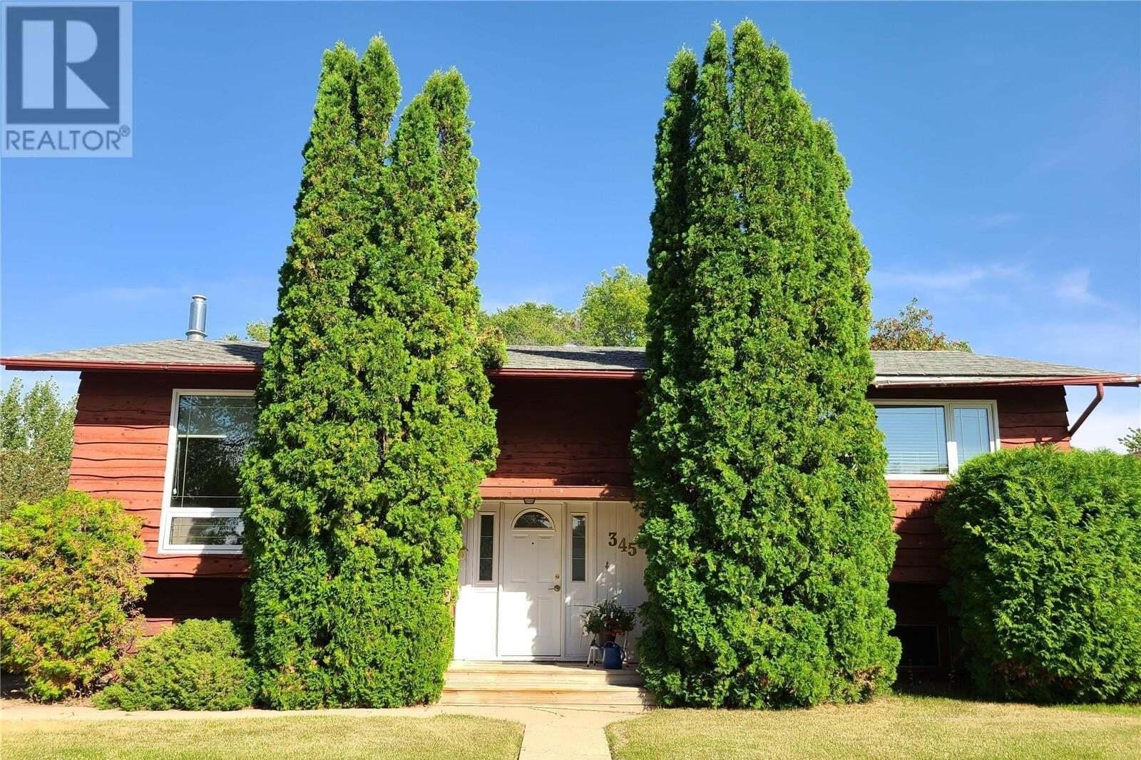 House for sale at 345 Laurier Dr Swift Current Saskatchewan - MLS: SK826549