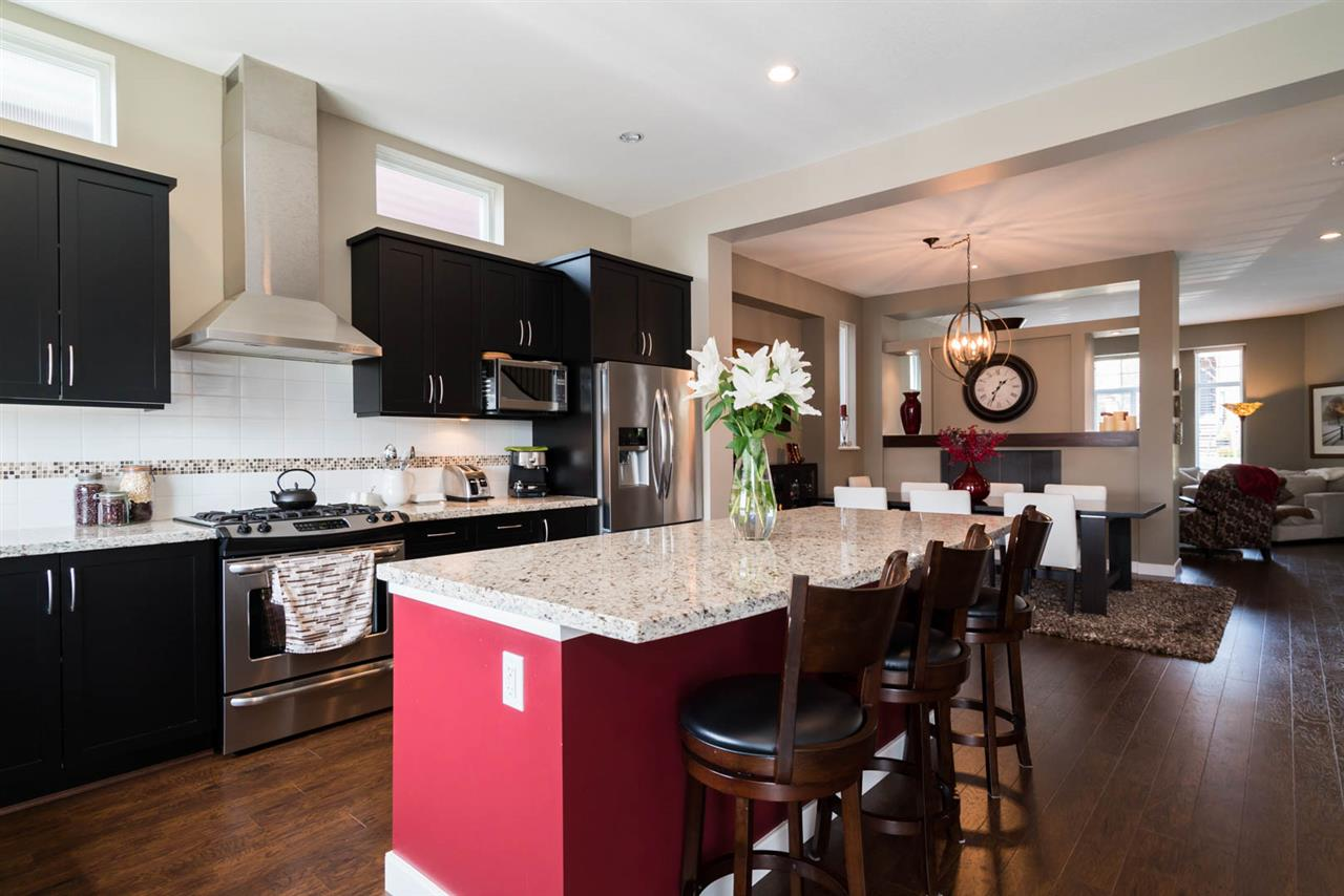 For Sale: 3452 Roxton Avenue, Coquitlam, BC | 6 Bed, 5 Bath House for $1,528,000. See 20 photos!