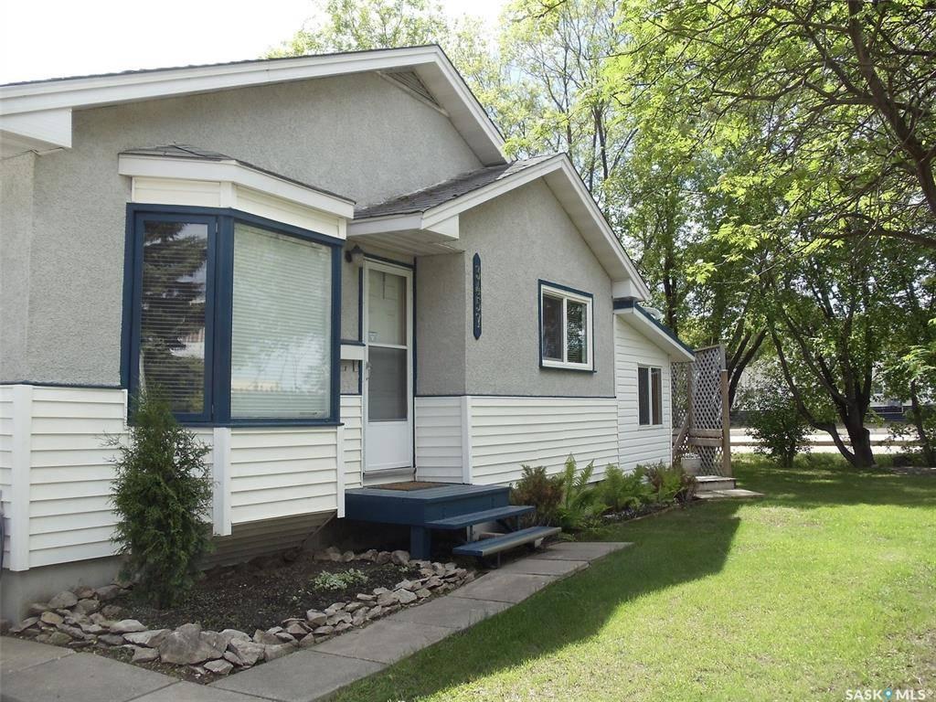House for sale at 3457 11th St W Saskatoon Saskatchewan - MLS: SK797733