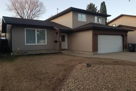 House for sale at 346 Redberry Rd Saskatoon Saskatchewan - MLS: SK805230