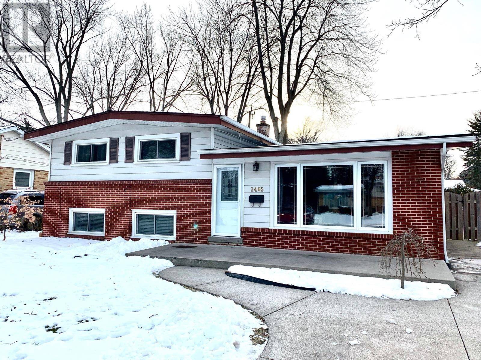 House for sale at 3465 Charlevoix  Windsor Ontario - MLS: 20000839