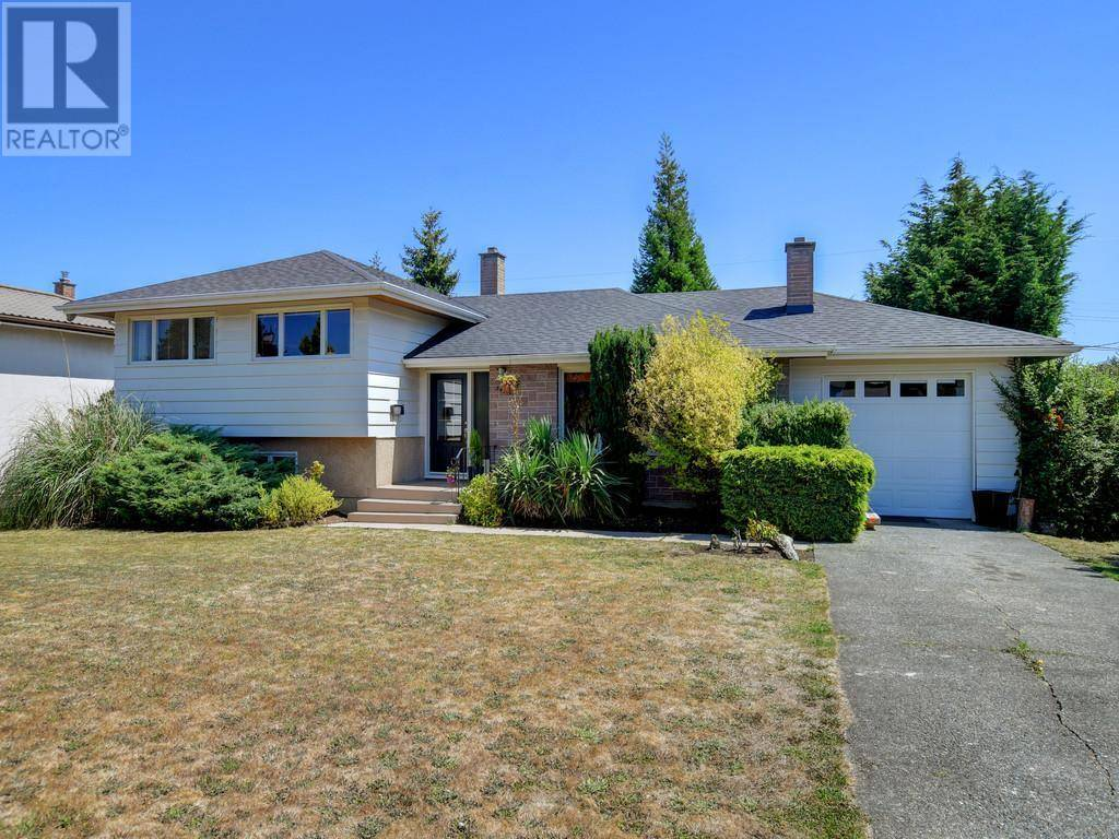 House for sale at 3473 Henderson Rd Victoria British Columbia - MLS: 414104