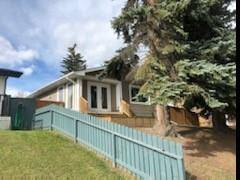 House for sale at 3477 31a Ave Southeast Calgary Alberta - MLS: C4271843