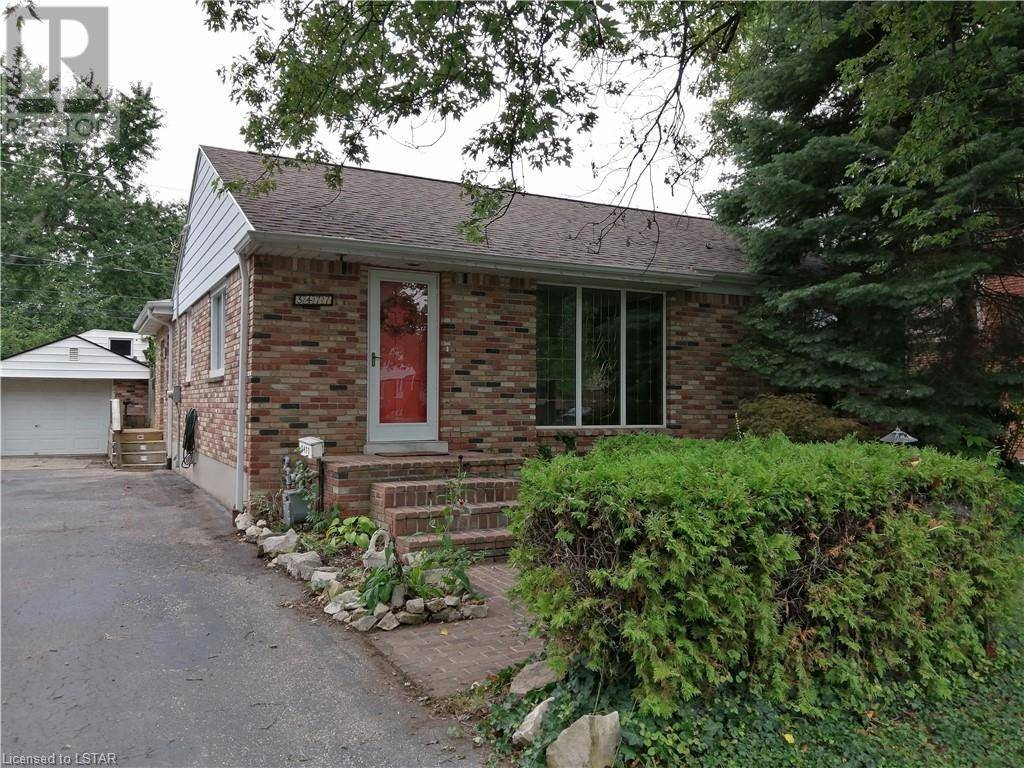 House for sale at 3477 Dominion Blvd Windsor Ontario - MLS: 223262