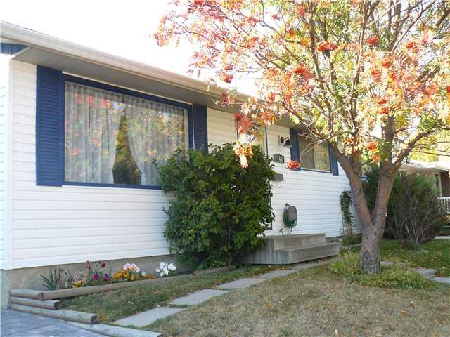 Sold: 348 Lysander Place Southeast, Calgary, AB
