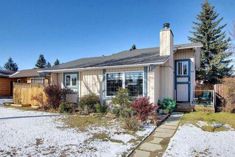 House for sale at 348 Templeton Circ NE Calgary Alberta - MLS: A1044392