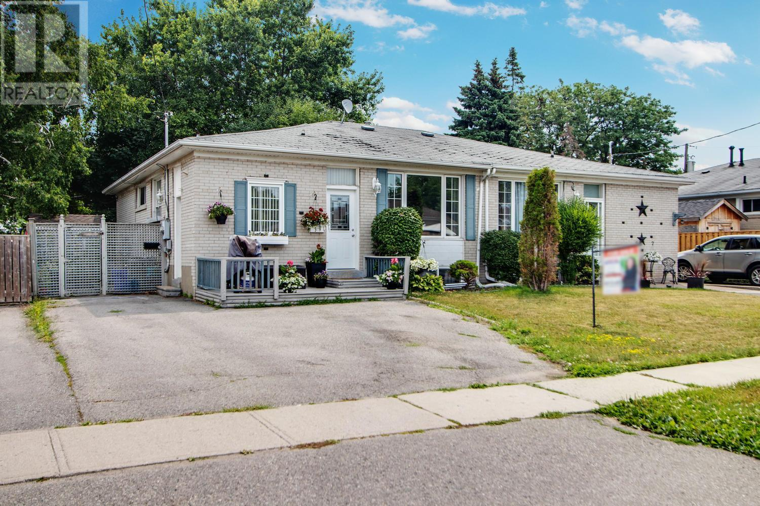Sold: 349 Dovedale Drive, Whitby, ON