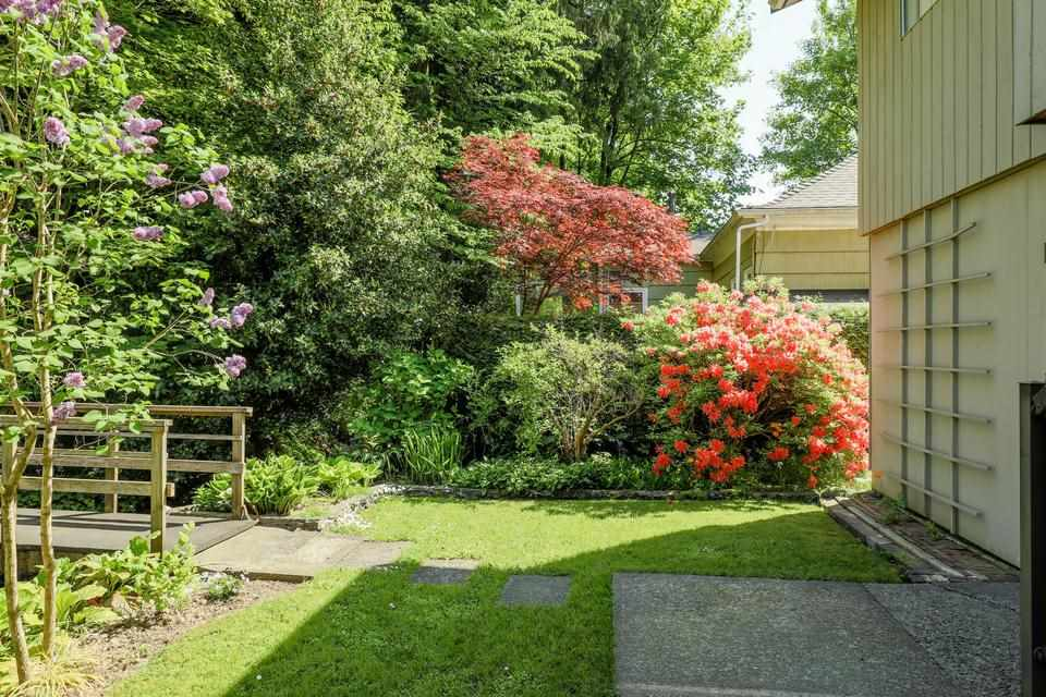 For Sale: 3490 Institute Road, North Vancouver, BC | 5 Bed, 3 Bath House for $1,498,000. See 20 photos!