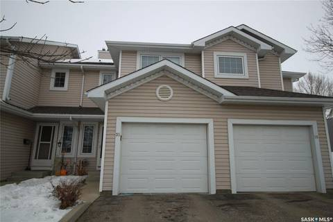 Townhouse for sale at 327 Berini Dr Unit 35 Saskatoon Saskatchewan - MLS: SK799096