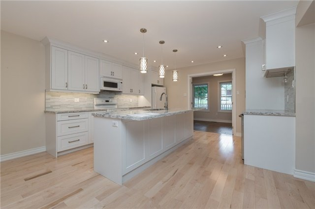 For Sale: 35 Alpine Way, Oro Medonte, ON   3 Bed, 4 Bath House for $789,000. See 17 photos!