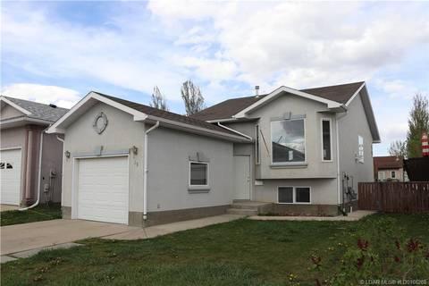 House for sale at 35 Blackfoot Rd W Lethbridge Alberta - MLS: LD0166268