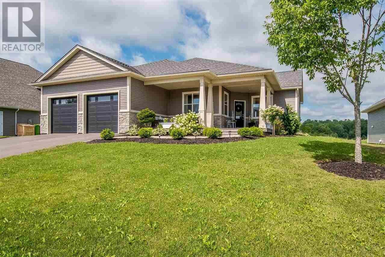 House for sale at 35 Clover Ln Falmouth Nova Scotia - MLS: 202014826