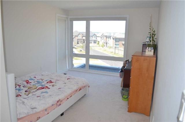 For Sale: 35 Duggan Street, Aurora, ON | 4 Bed, 4 Bath House for $1,299,000. See 12 photos!