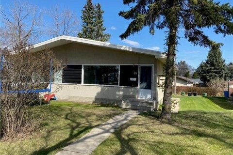 Townhouse for sale at 35 Grand Dr Camrose Alberta - MLS: CA0193688