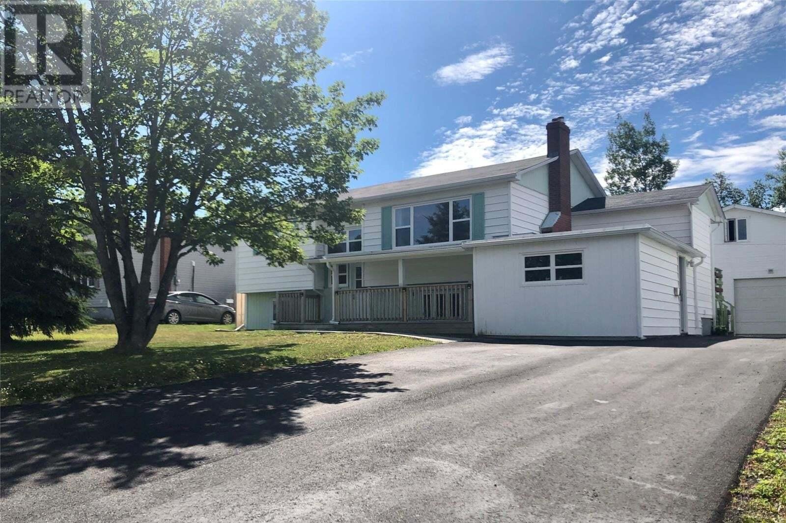 House for sale at 35 Grandy Ave Gander Newfoundland - MLS: 1218115