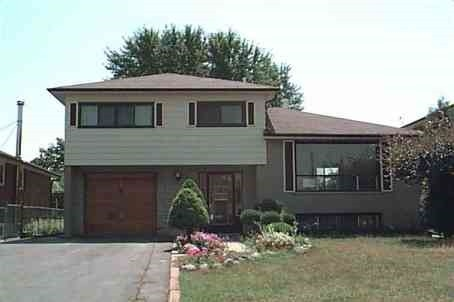 For Sale: 35 Jersey Avenue, Brampton, ON | 4 Bed, 3 Bath House for $674,900. See 2 photos!