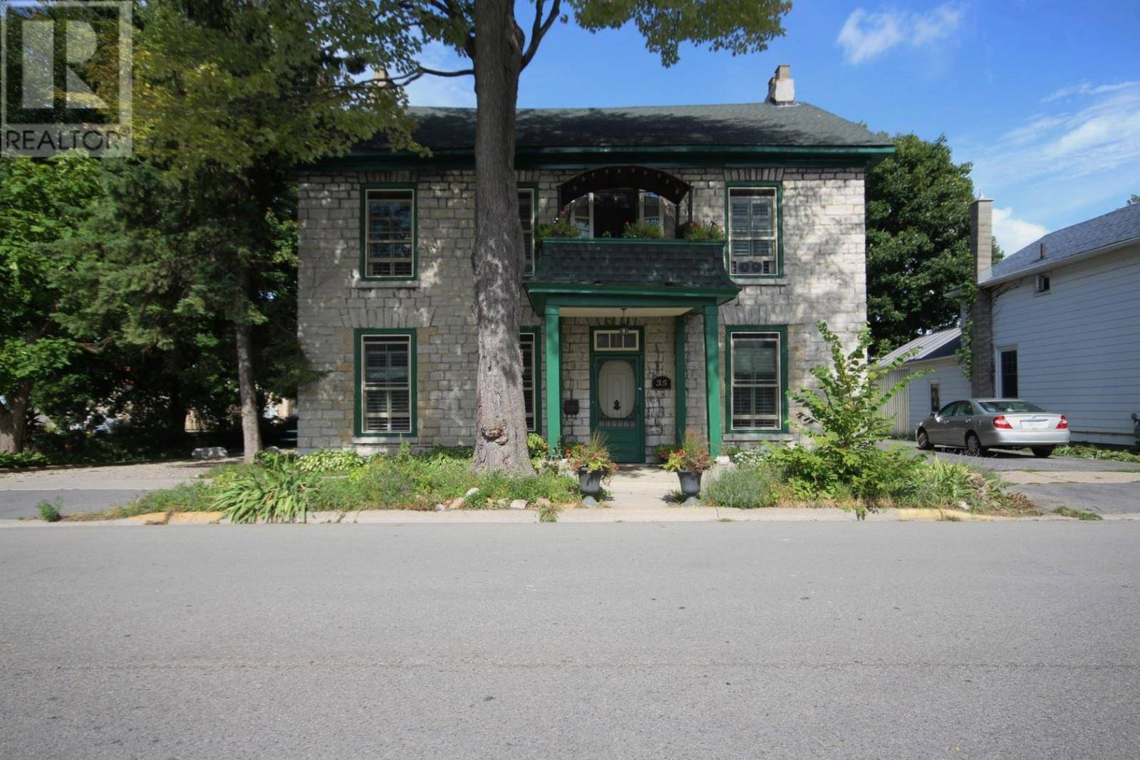 House for sale at 35 Main St Gananoque Ontario - MLS: K19004408