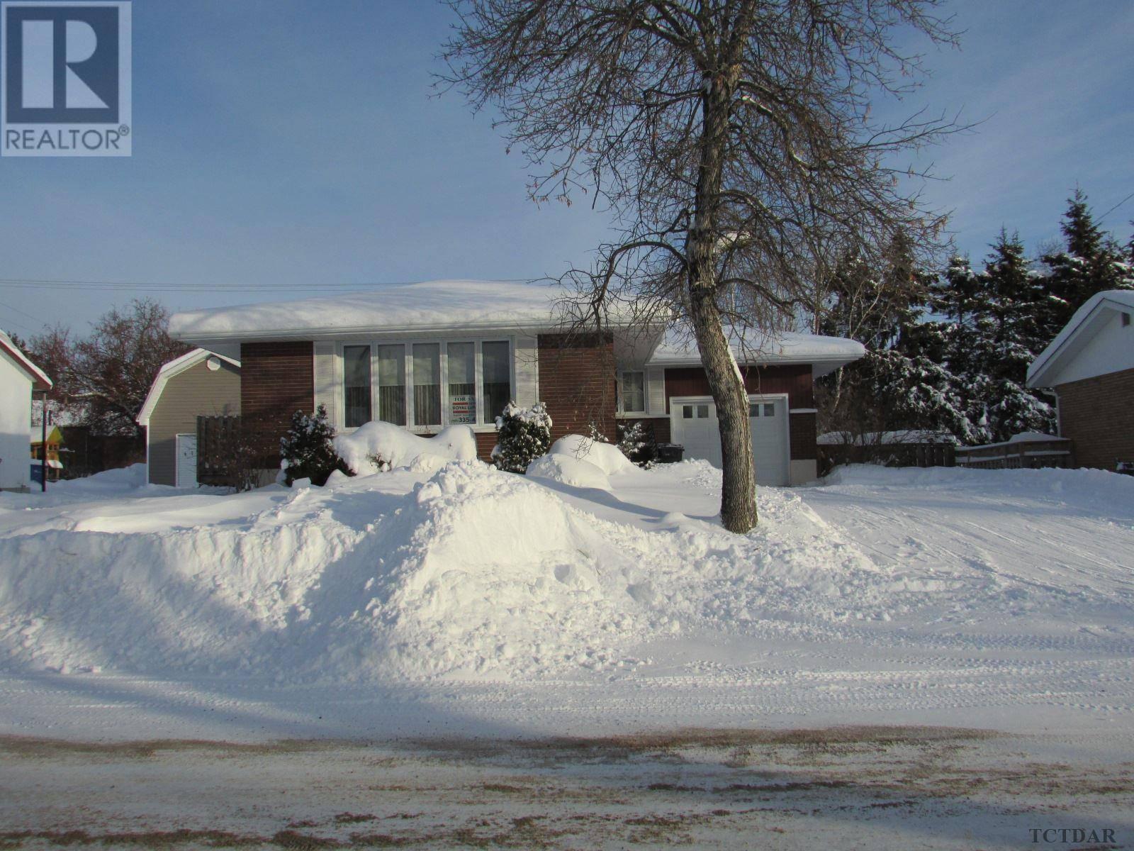 House for sale at 35 Ottawa St Kapuskasing Ontario - MLS: TM192019