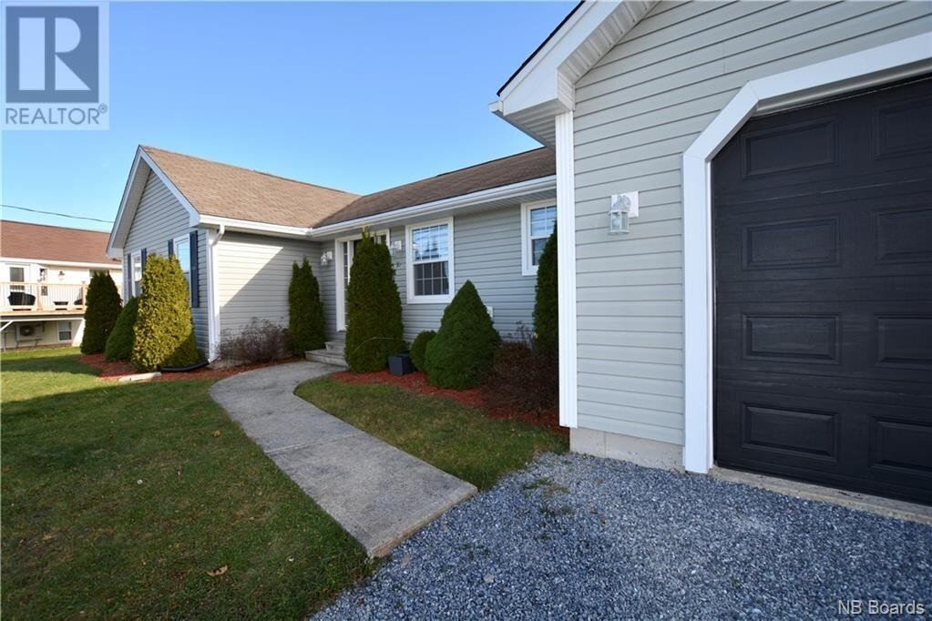 House for sale at 35 Ridge Manor Dr Quispamsis New Brunswick - MLS: NB051504