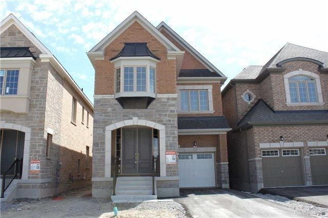 House for sale at 35 Roth Street Aurora Ontario - MLS: N4284969