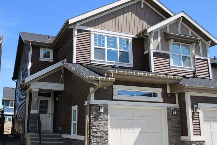 Townhouse for sale at 35 Sundown Common West Cochrane Alberta - MLS: A1009756