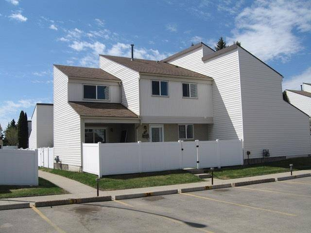 Townhouse for sale at 35 Woodvale Vg  Nw Edmonton Alberta - MLS: E4138669