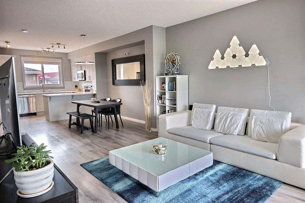 House for sale at 350 Charlesworth Dr SW Edmonton Alberta - MLS: E4198950