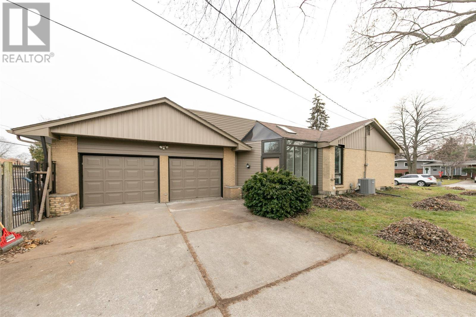 House for sale at 3500 Charlevoix Ave Windsor Ontario - MLS: 19029443