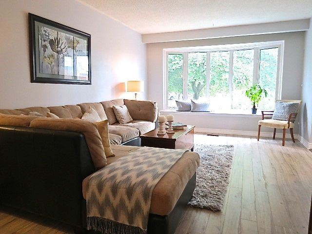 Sold: 3501 Oakglade Crescent, Mississauga, ON
