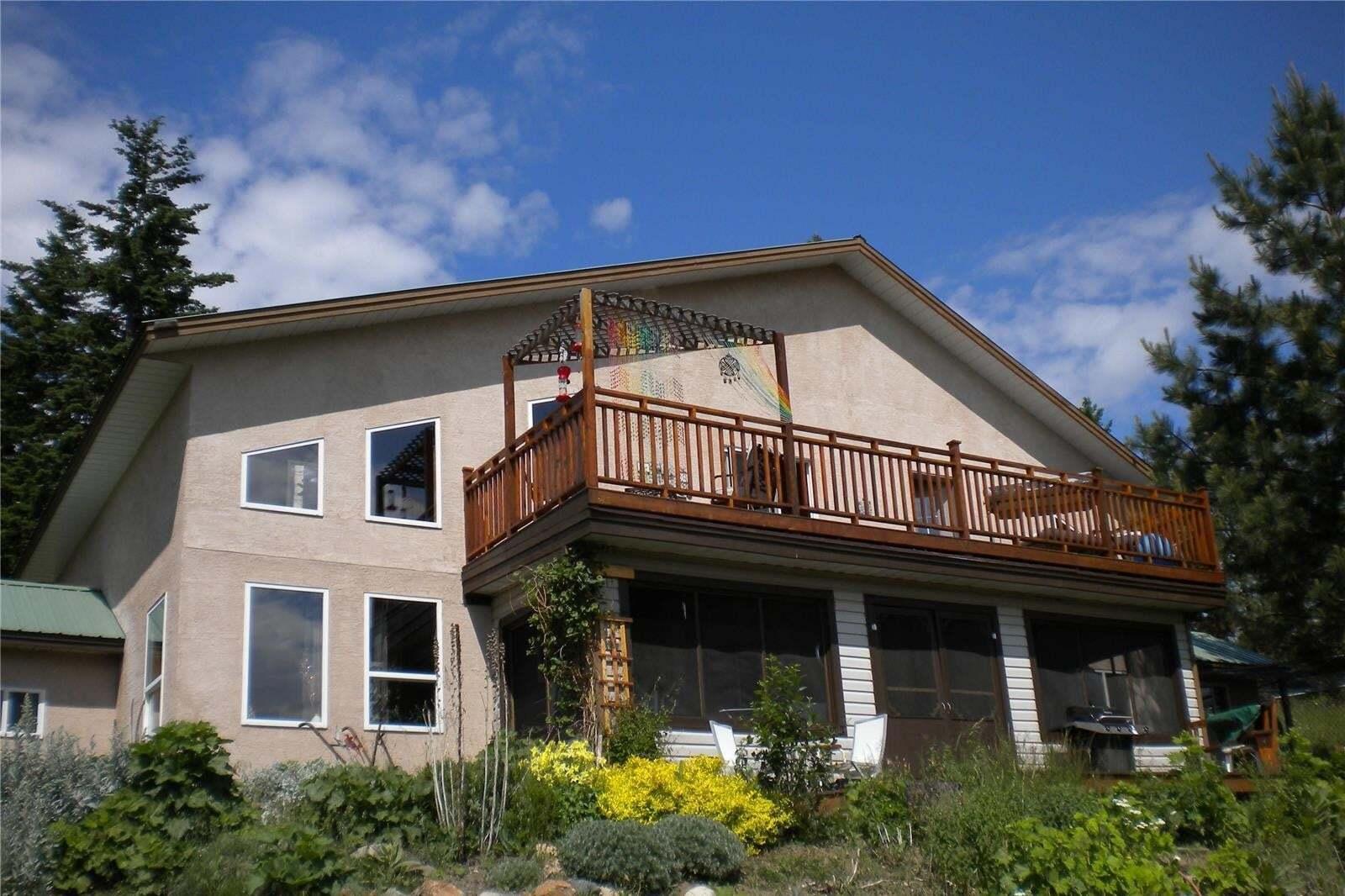 Home for sale at 351 Naswhito Rd Vernon British Columbia - MLS: 10210636