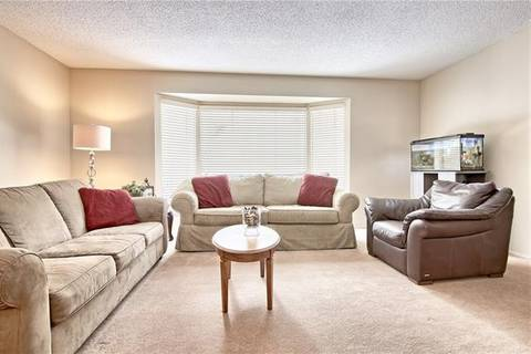 351 Parkwood Close Southeast, Calgary | Image 2