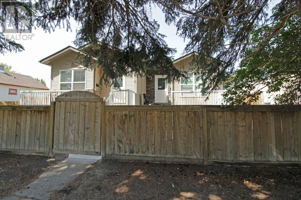 House for sale at 3510 51 Ave Red Deer Alberta - MLS: ca0188774