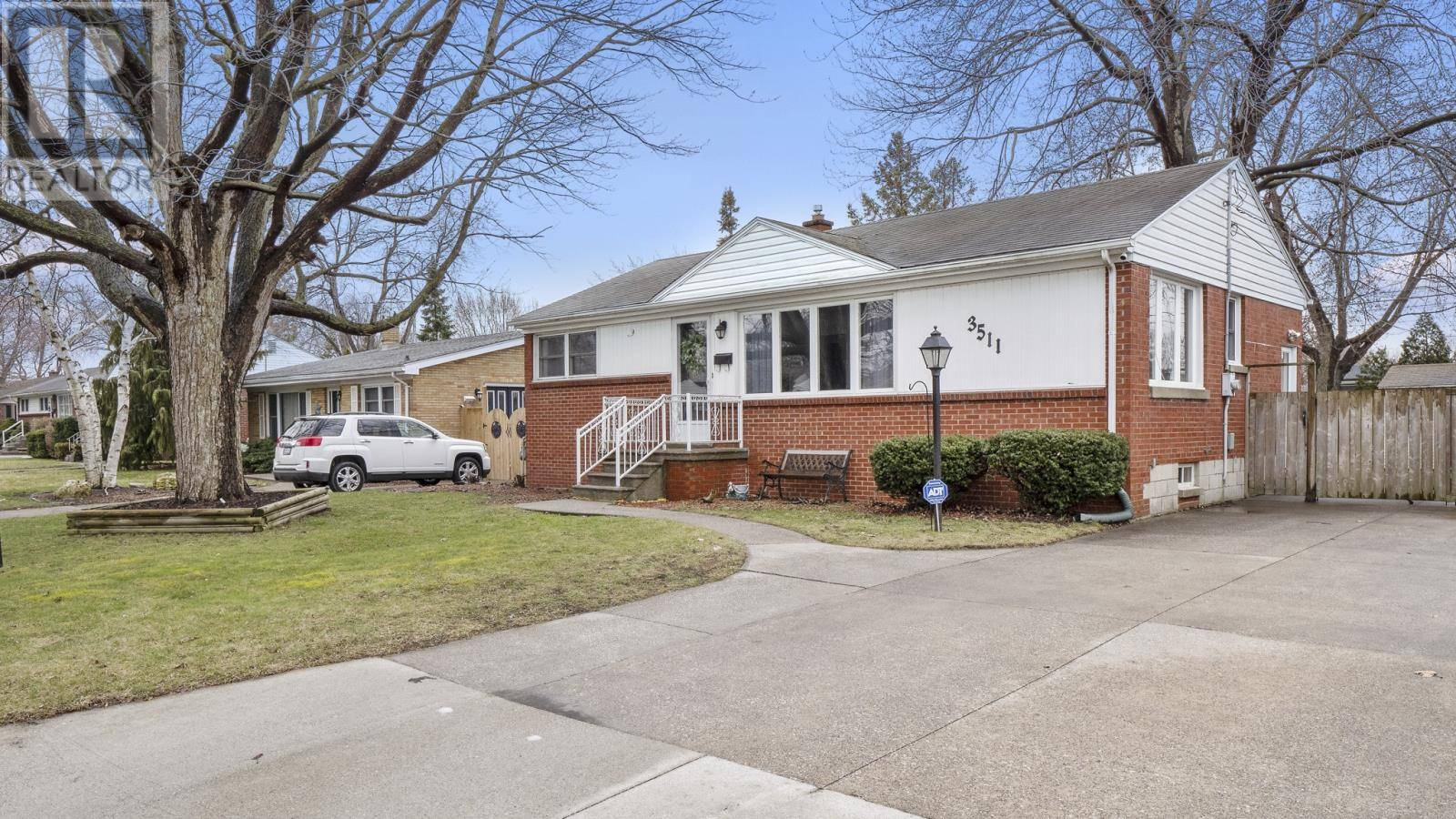 House for sale at 3511 Woodland Ave Windsor Ontario - MLS: 20003644
