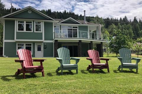 House for sale at 3513 Eagle Bay Rd Eagle Bay British Columbia - MLS: 10185331