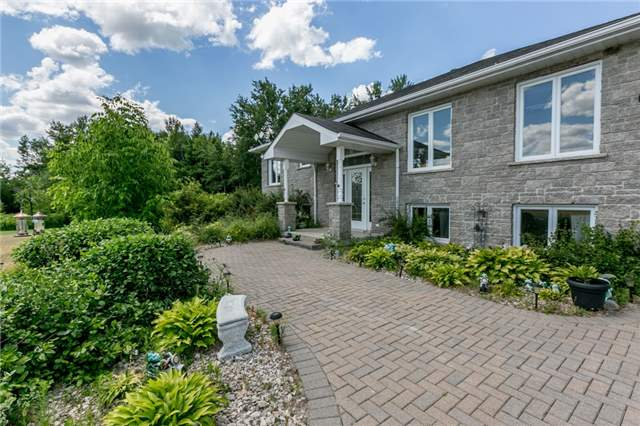 For Sale: 3518 Mccarthy Drive, Clearview, ON   2 Bed, 3 Bath House for $599,900. See 20 photos!