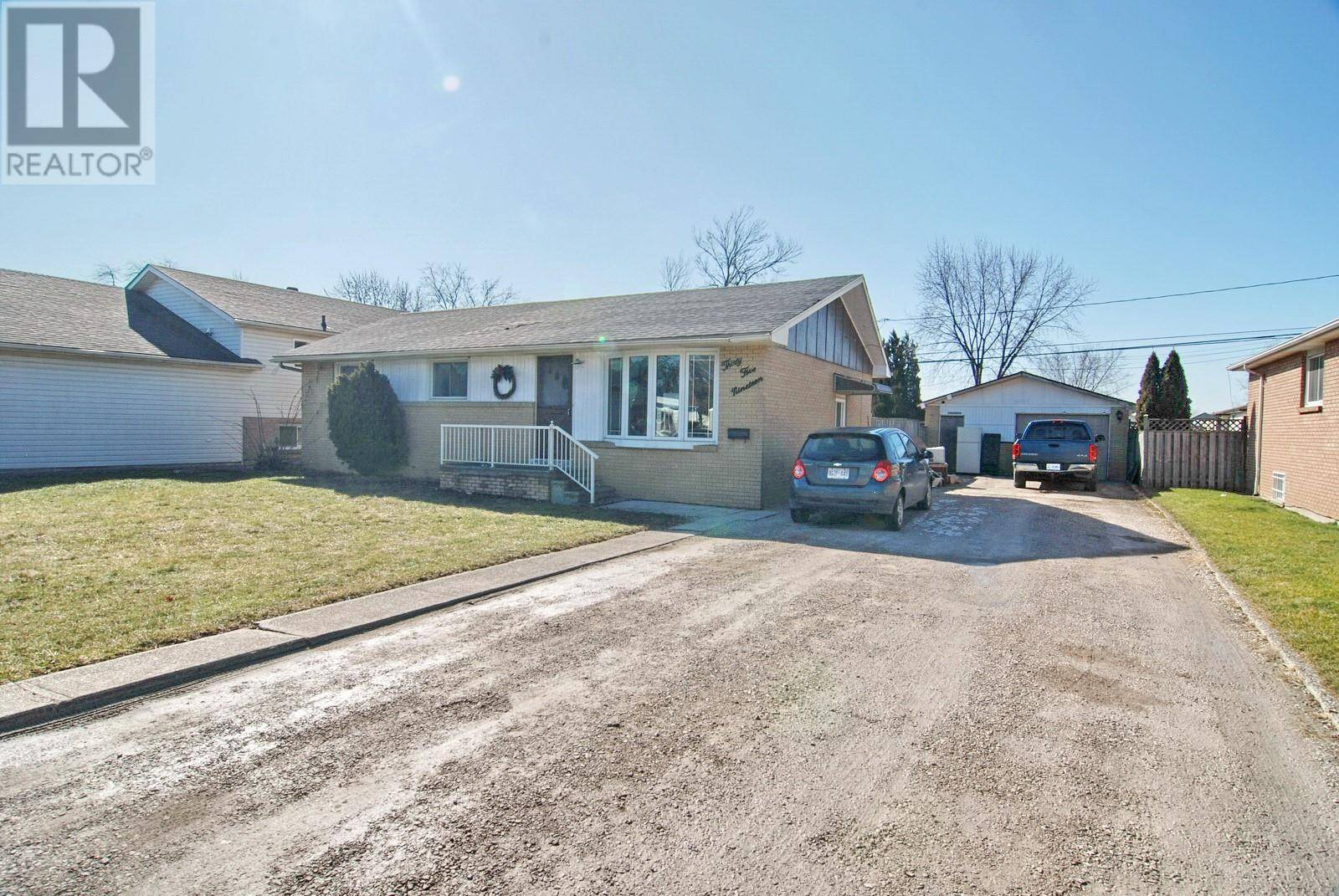 House for sale at 3519 Bliss  Windsor Ontario - MLS: 20002074