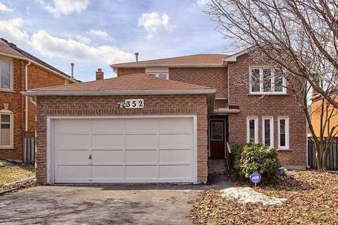 House for sale at 352 Dorchester St Newmarket Ontario - MLS: N4389109