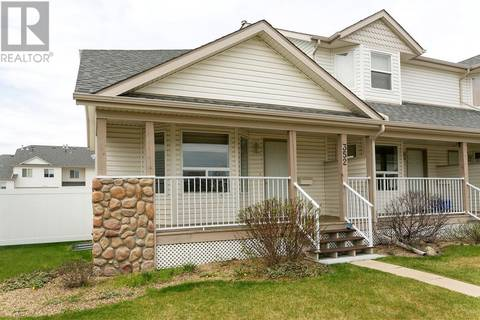 Townhouse for sale at 352 Drummond Ave Red Deer Alberta - MLS: ca0159146