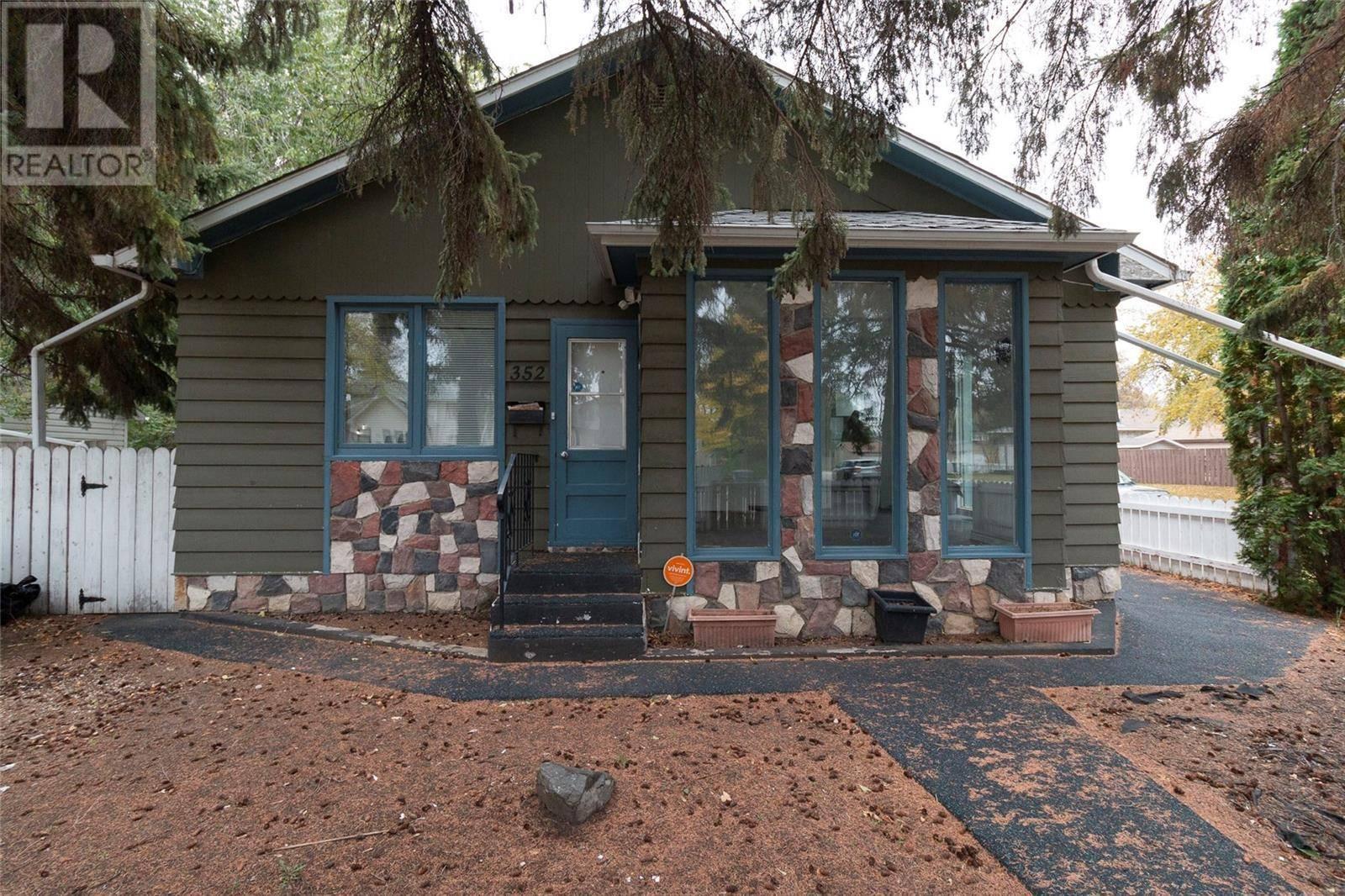 House for sale at 352 U Ave S Saskatoon Saskatchewan - MLS: SK789022