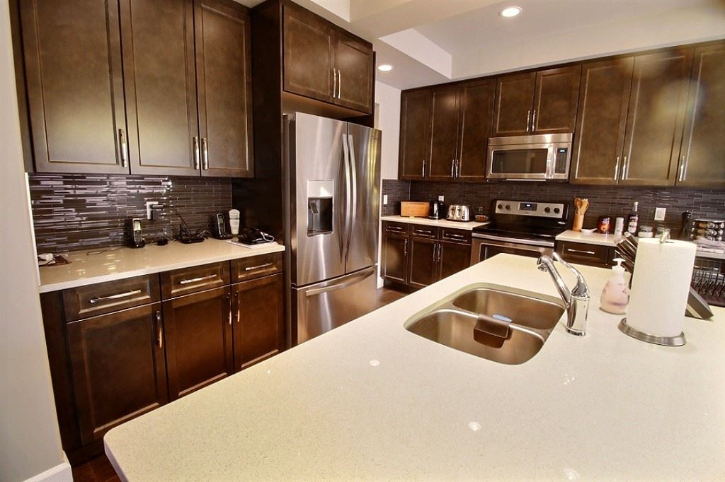 For Sale: 3521 Claxton Crescent, Edmonton, AB   3 Bed, 2 Bath House for $589,900. See 21 photos!