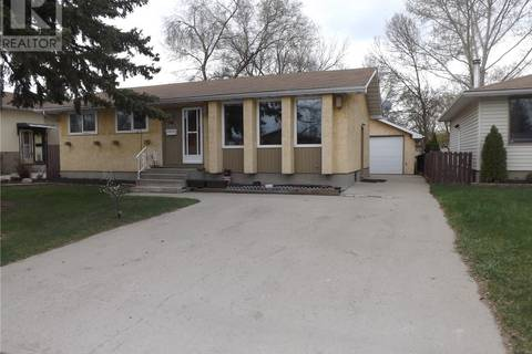 House for sale at 353 Cavendish St Regina Saskatchewan - MLS: SK771718