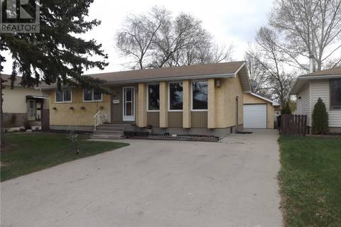 House for sale at 353 Cavendish St Regina Saskatchewan - MLS: SK778106