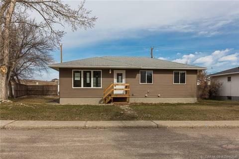 House for sale at 353 Oakwood Dr Pincher Creek Alberta - MLS: LD0162045